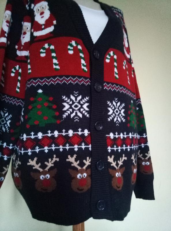 Новогодний мужской свитер с дедом морозом и оленями - Фото 3