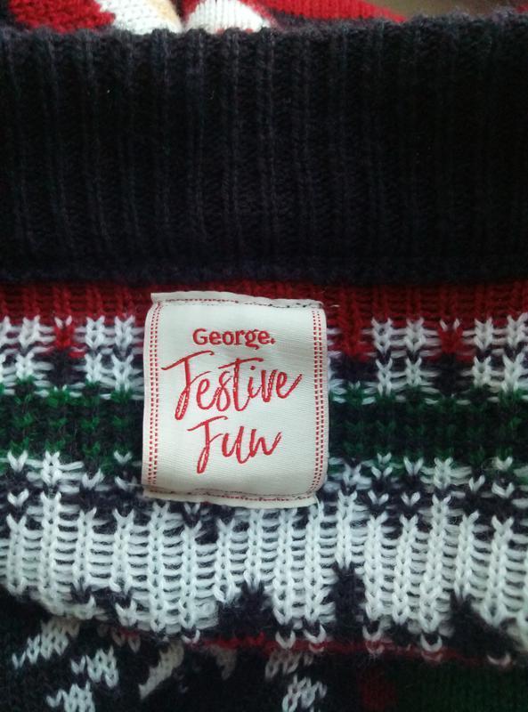 Новогодний мужской свитер с дедом морозом и оленями - Фото 5