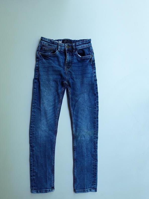 Фирменные стрейчевые джинсы 9-10 лет