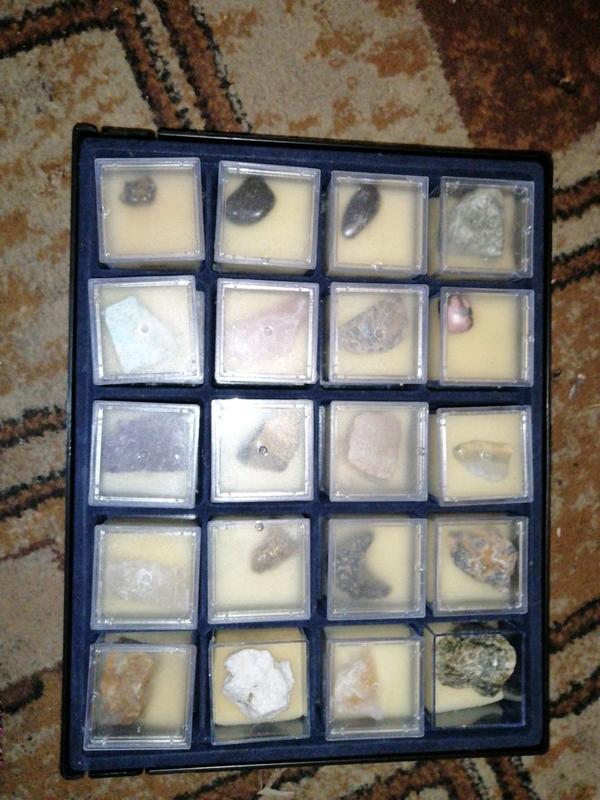 Продам коллекцию минералов + описание про каждого из них