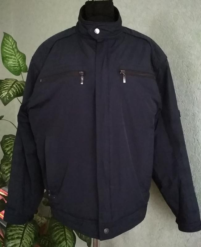 Мужская темно-синяя куртка ук.р.50-52. levi's.