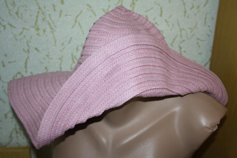 Красивая шляпа с полями 58 см