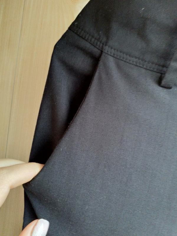 Расклешенные стильные брюки с высокой посадкой. - Фото 6