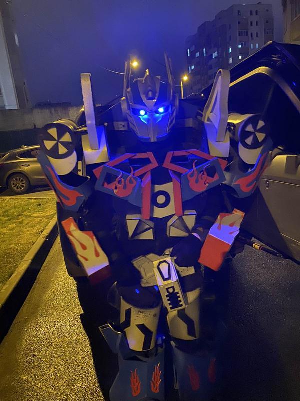 Фото с Роботом Аниматором Трансформером Оптимус Прайм - Фото 4