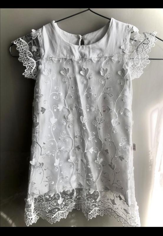 Белое гипюровое кружевное платье для девочки