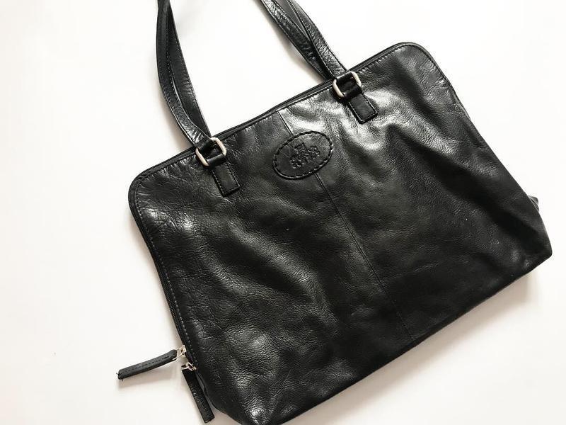Кожаная сумка handmade - безумно дорогой бренд и очень ценится...