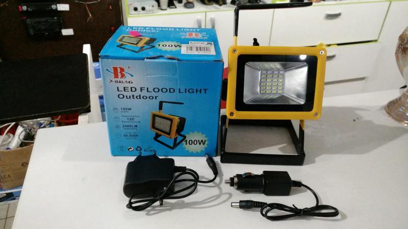 Переносной светодиодный ручной фонарь - прожектор Bailong BL-2...