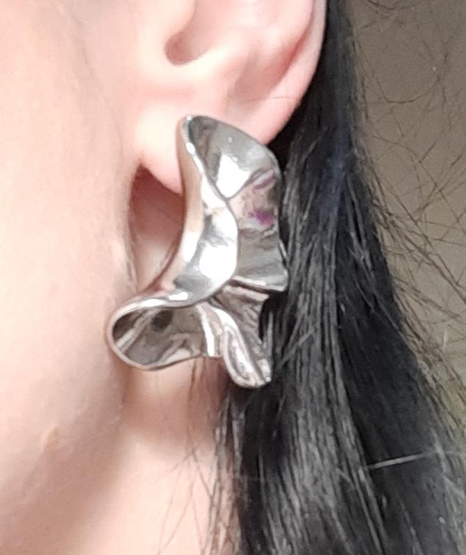 Серьги мятые, цвет серебро - Фото 3