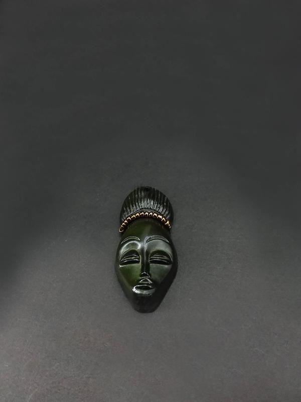 Кабюшон африканская девушка