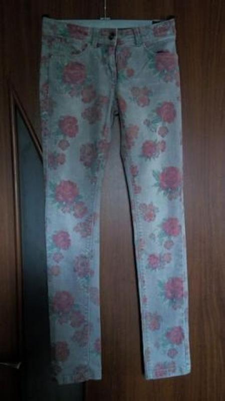 Джинсы на девочку стрейчевые скинни с принтом с розами esprit - Фото 3