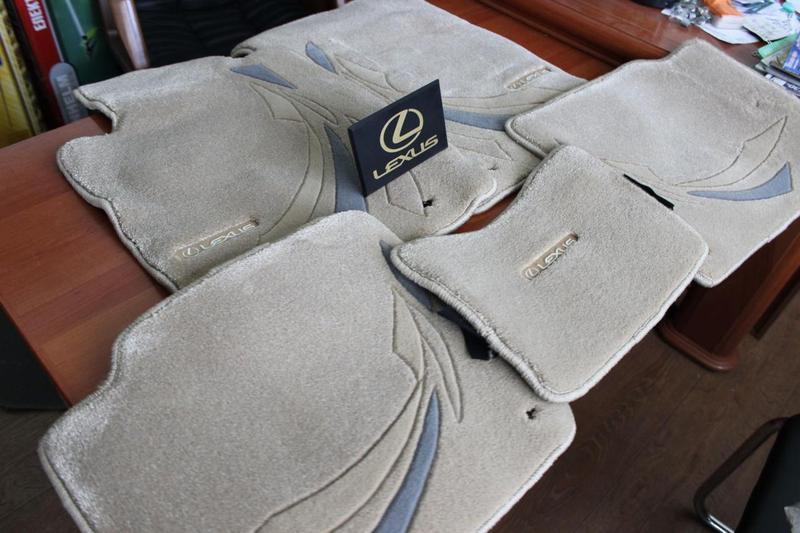Новые фирменные коврики на Лексус Lexus IS