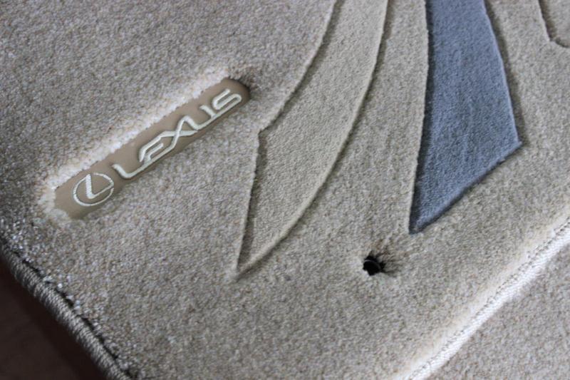 Новые фирменные коврики на Лексус Lexus IS - Фото 3