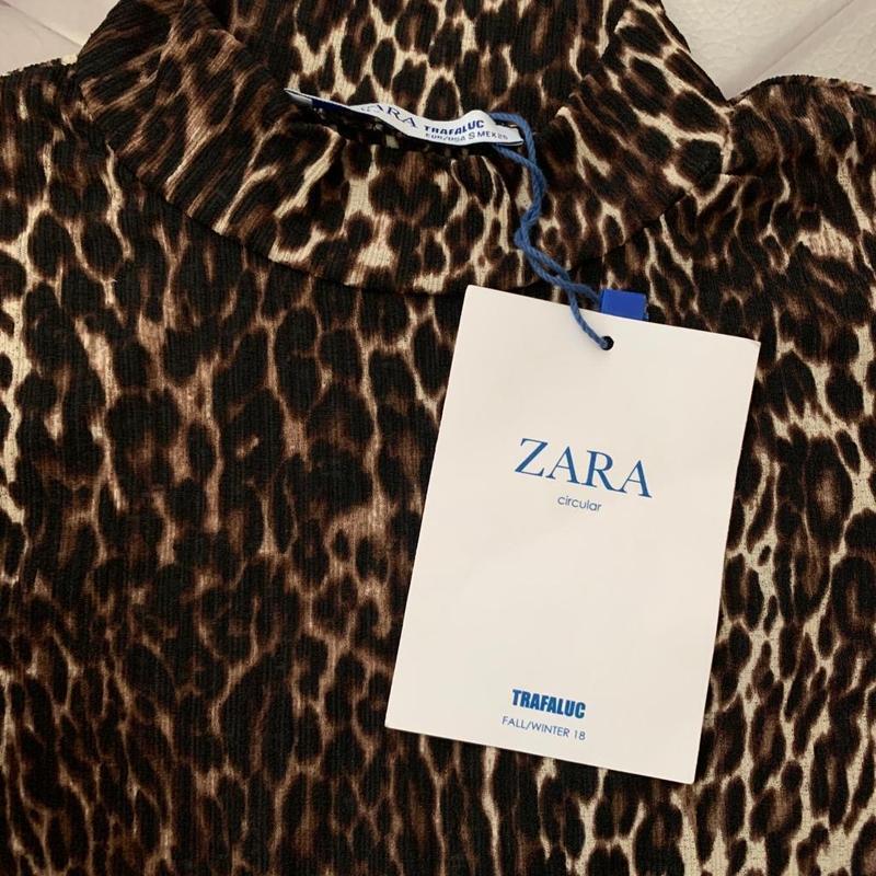 Zara фактурная футболка под горло - Фото 7