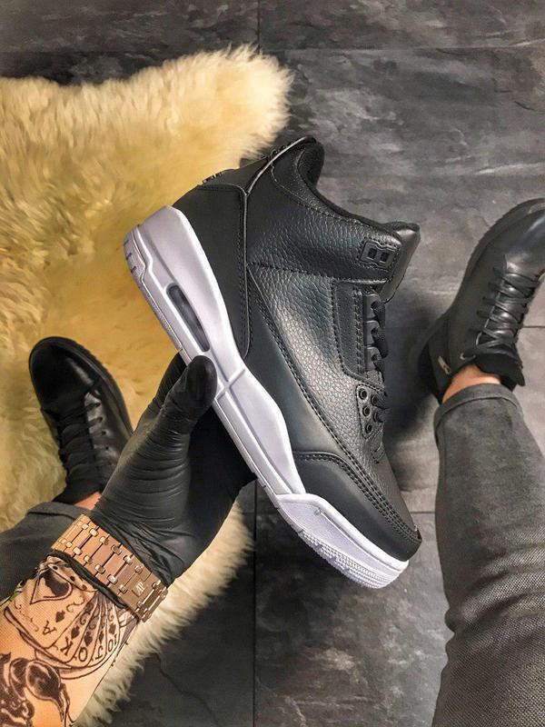 Nike air jordan 4 retro black.