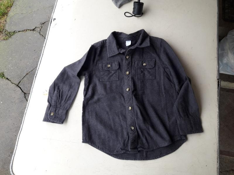 ????теплая рубашка old navy на 4/5 лет