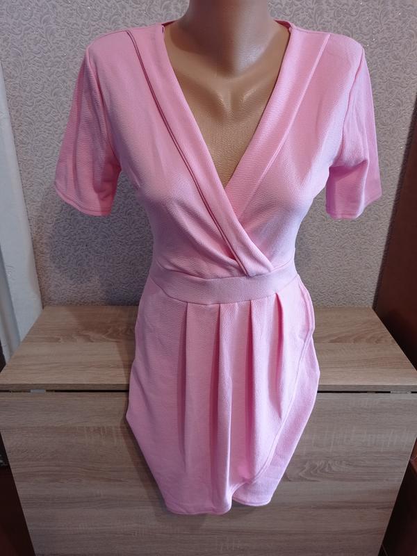Нежное розовое платье миди плаття міді