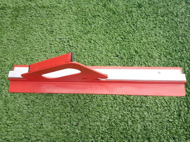 Нож для точной подрезки ковров с искусственной травы