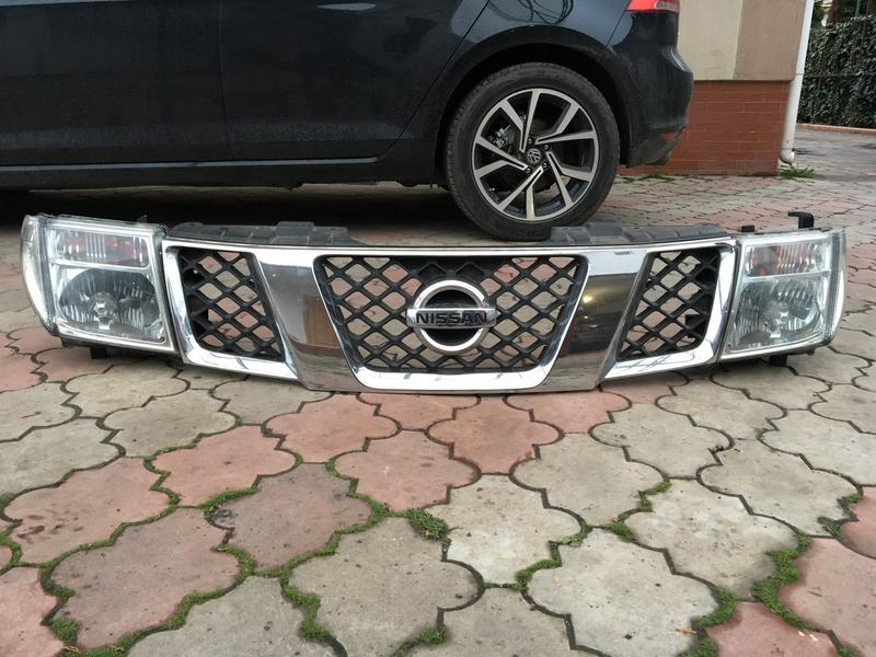 Фары,Решедка биксенон Nissan Pathfinder , ниссан патфайндер