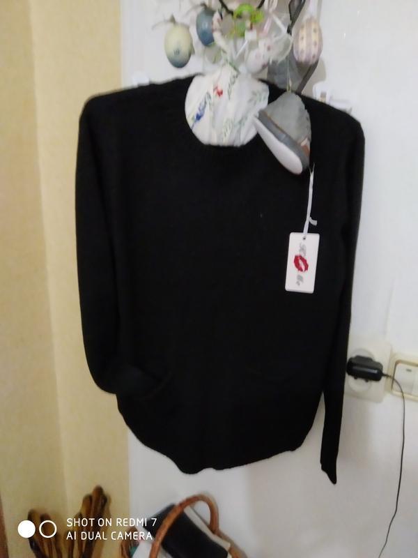 Ніжна кофтинка-пуловер