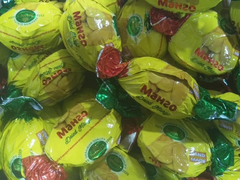 Шоколадные конфеты  манго в шоколаде