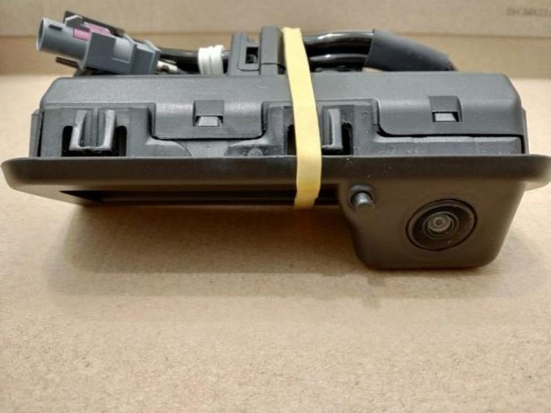 Камера заднього виду VW Touareg  AUDI Q7 AUDI Q8 - Фото 5