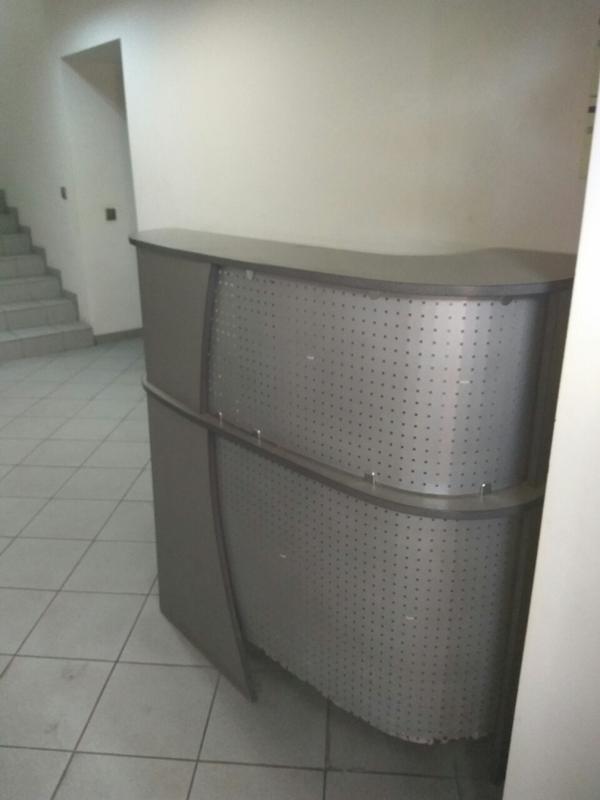 Распродажа мебели и техники для офиса