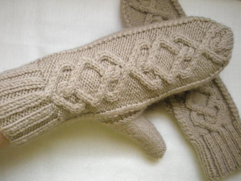 Варежки бежевые ручной работы размер: s-м