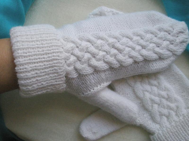 Варежки белые размер m-l ручной работы - Фото 2
