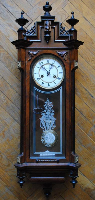 Куплю антикварные часы.