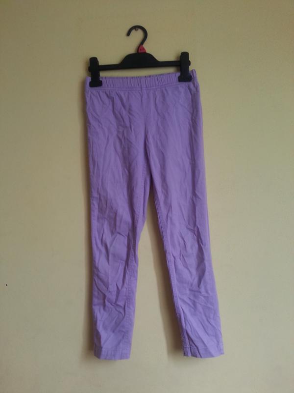 Сиреневые джинсы на девочку 9-10 лет