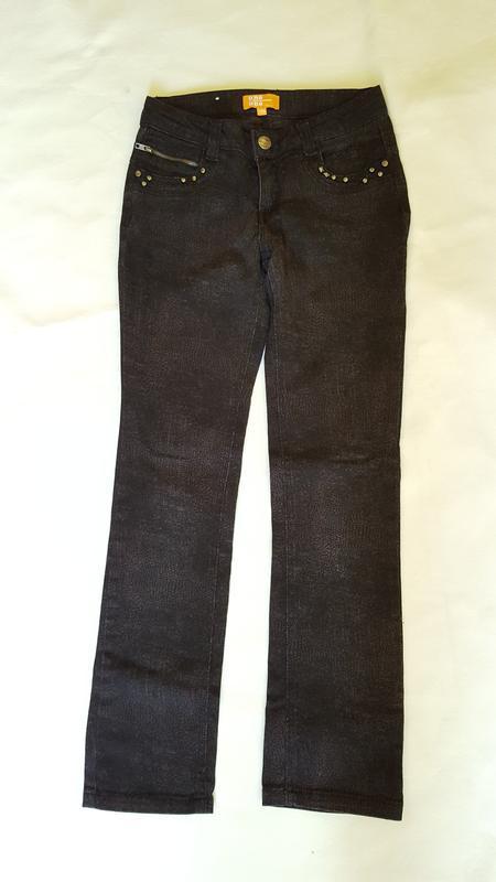 Стильные черные джинсы на девочку 10-11 лет с утягивающими рез...