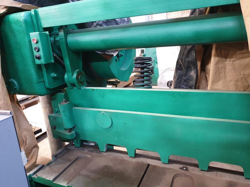 Продам гильотину стд 9а механическую длина 2500 до 5 мм бу,