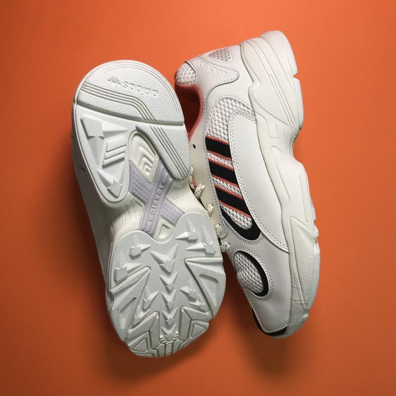 Кроссовки: adidas yung 1 beige black - Фото 4