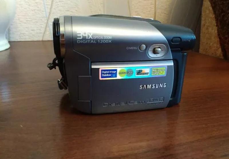 Цифровая видео камера
