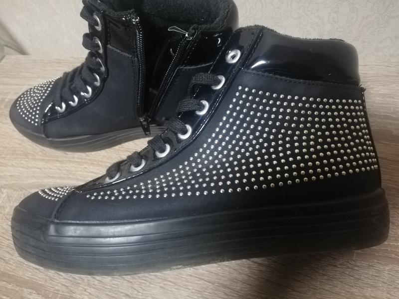 Классные ботинки catwalk