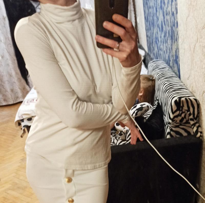 Белый гольф фирменный водолазка кофта свитер