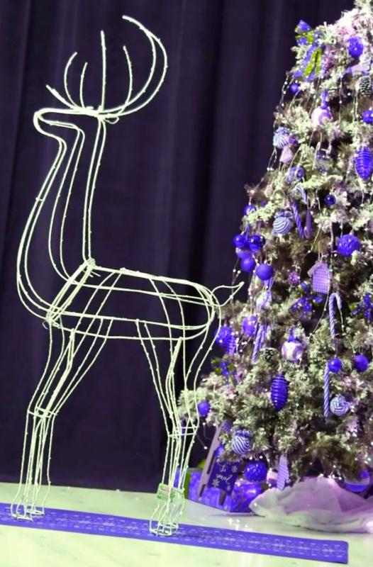 Продажа олень новогодний олени новогодние светяшиеся 140 см  Цена