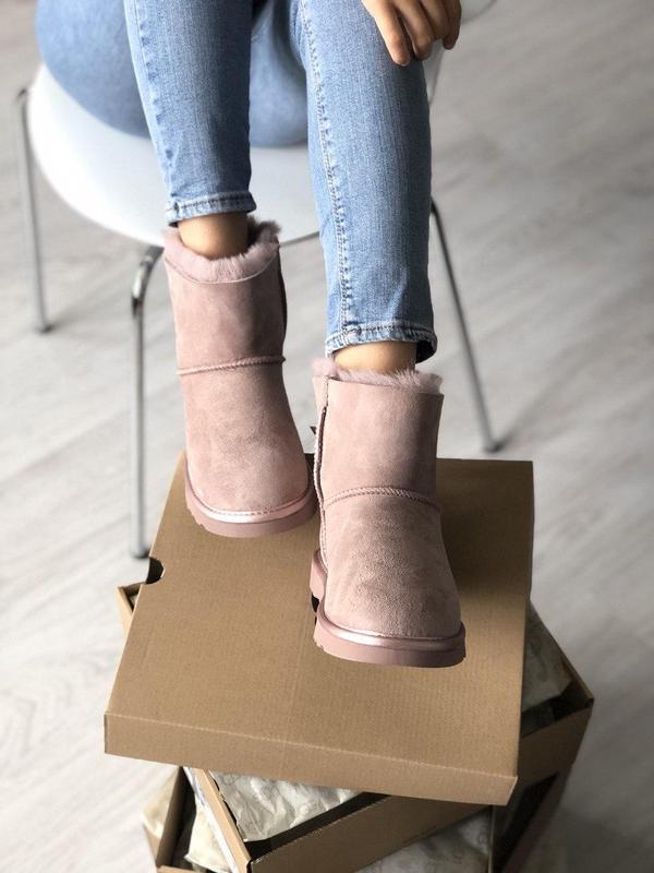 Шикарные розовые женские ботинки ugg mini bailey bow ii grey - Фото 3