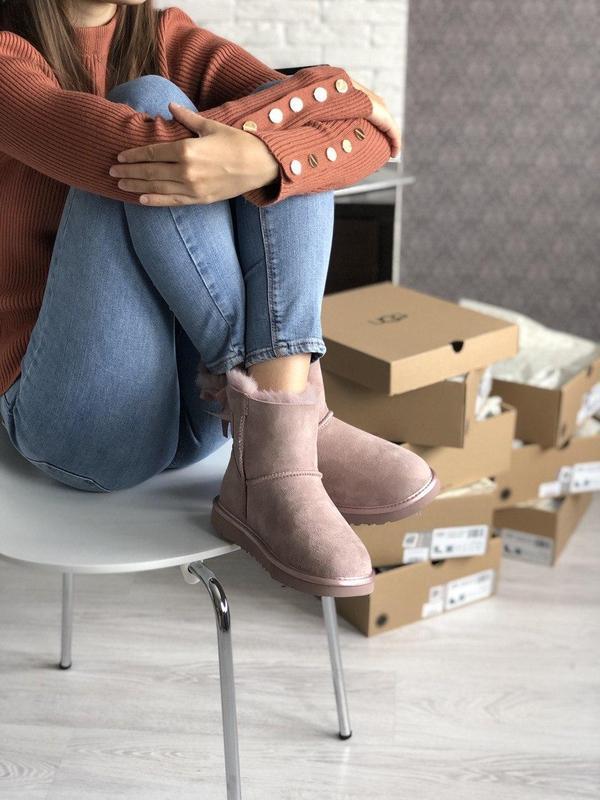 Шикарные розовые женские ботинки ugg mini bailey bow ii grey - Фото 8