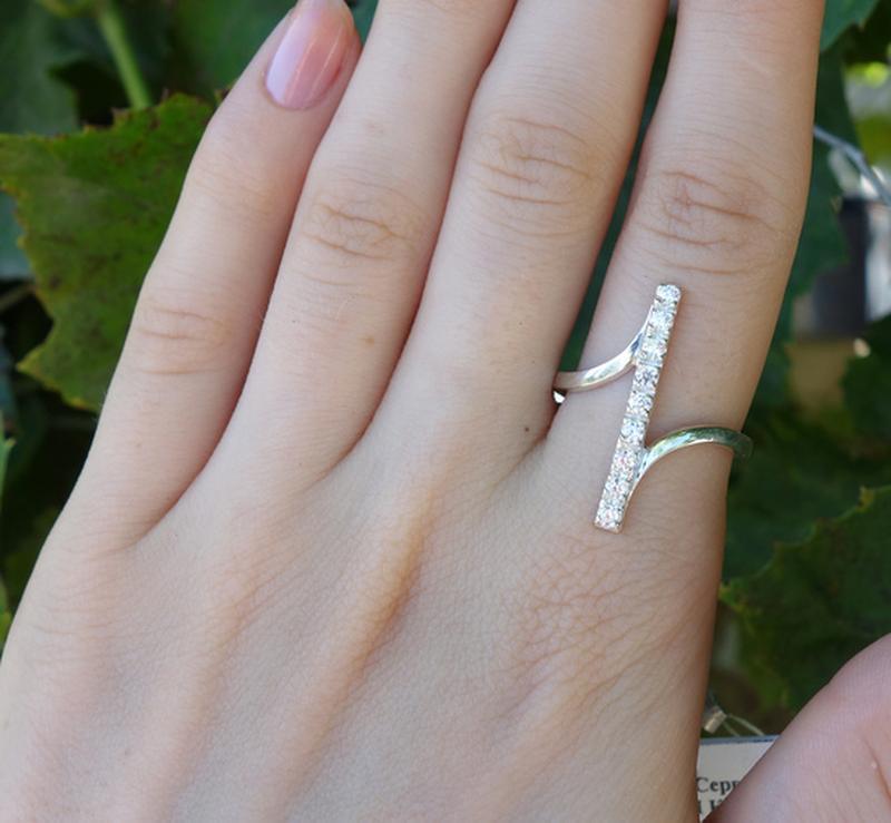 Кольцо прямое с камнями