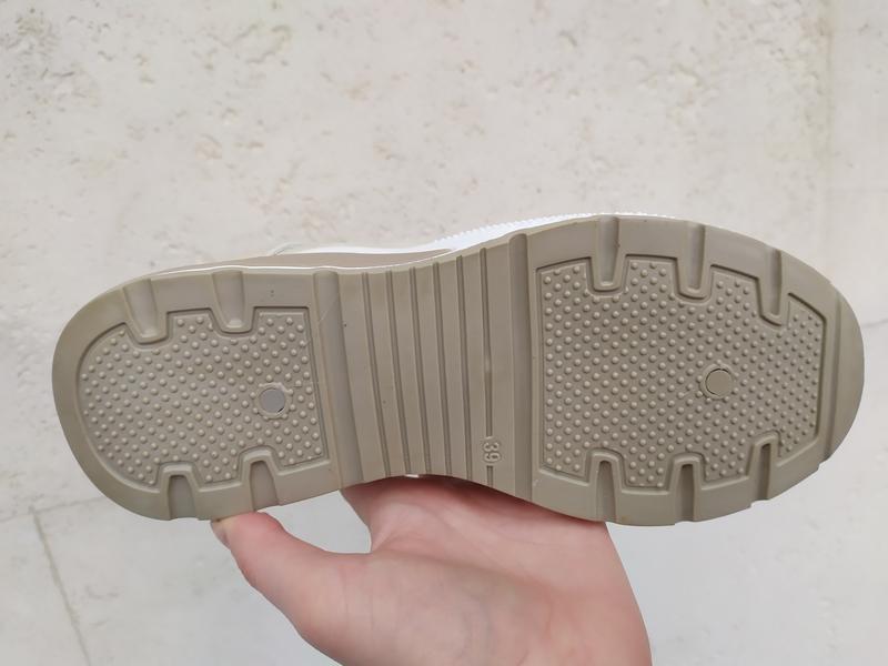 Sale . кроссовки слипоны дутики бежевые - Фото 8