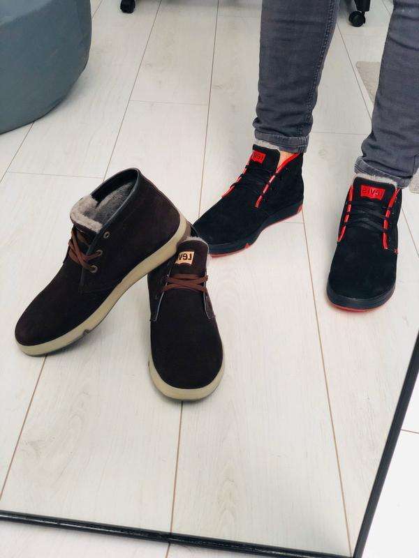 Мужские зимние черные кроссовки из нубука с вставками красной ... - Фото 6