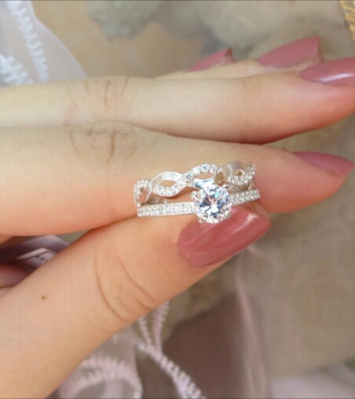 Кольцо двойное волнистое с россыпью камней - Фото 2