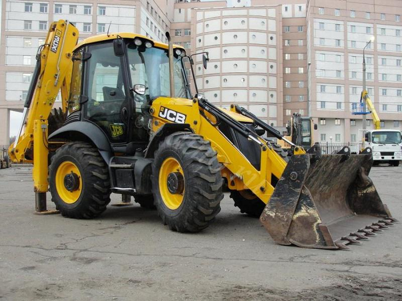 Услуги колесного экскаватора - погрузчика JCB 3CX в Одессе.