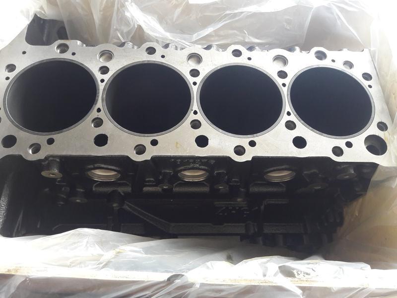 Блок цилиндра на Богдан А092, Isuzu NQR71, двигатель 4HG1T евро 2