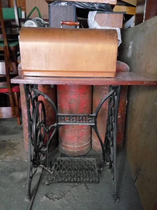 """Продам станину SINGER c швейной машинкой """"Подольск"""" - Фото 8"""