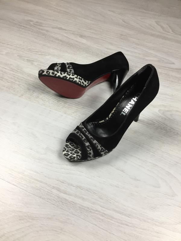 Красивые женские туфли chanel красная подошва christian loubou...
