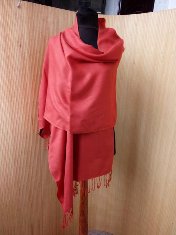 Яркий шарф палантин bijenkorf - Фото 3