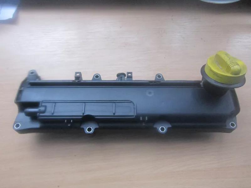 Б/у крышка клапанная для Renault Kangoo 1.5dci.
