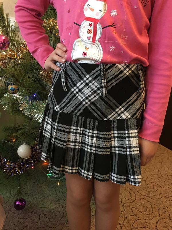 Красива юбка в клетку на девочку 8-9 лет
